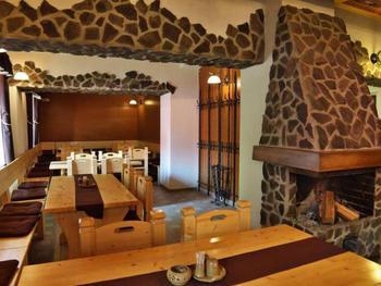 Restaurace a pension pod Kunětickou horou
