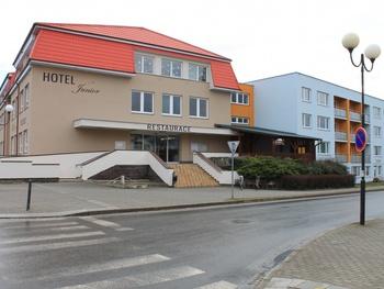 Hotel Junior . Střední škola gastronomie, hotelnictví a lesnictví Bzenec příspěvková organizace