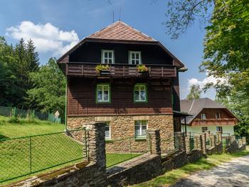 Apartmány & Chata ŠUMAVA