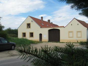 Apartmánový dům Ponědraž   (CHKO Třeboňsko)