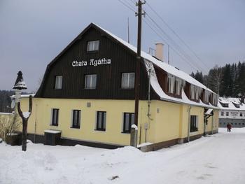 Leoš Šťastný - Chata Agátha