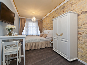 CATHEDRAL PRAGUE APARTMENTS s.r.o.