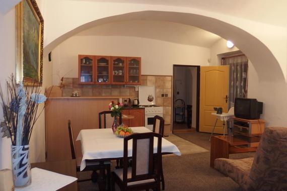 Apartmán u Granátové skály - obývací prostor