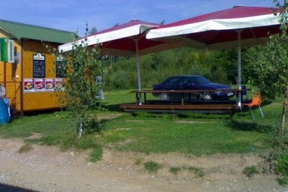 Autokemp pod lesem foto 3