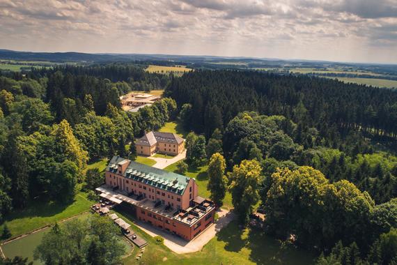 Letecký pohled na Resort Svatá Kateřina.