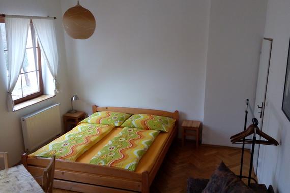 Menší apartmá - 1 obytná místnost (max. 4 osoby)