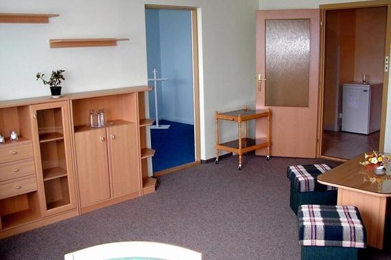 Hotel Junior . Střední škola gastronomie, hotelnictví a lesnictví Bzenec příspěvková organizace foto 2