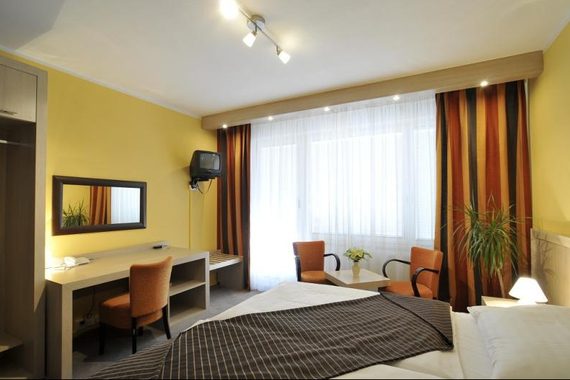 Hotel Krystal foto 1