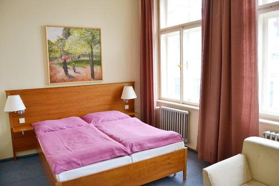 Hotel Praha - dvoulůžkový pokoj