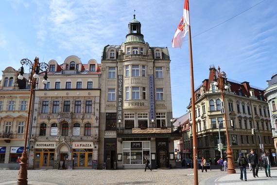 hotel Praha - pohled z náměstí