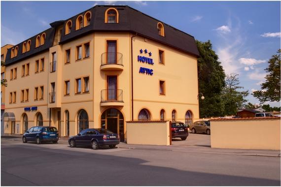 Hotel Attic foto 1