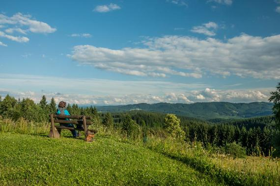 od chaty jsou krásné panoramatické výhledy