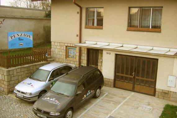Hlavní dům - samostatný vchod