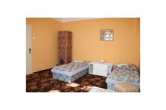 Chalupa Mohelno 127, tento pokoj je pro 3 osoby celý obydlený objekt je pro 10 osob