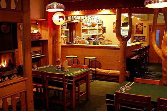 interiér restaurace Portáš