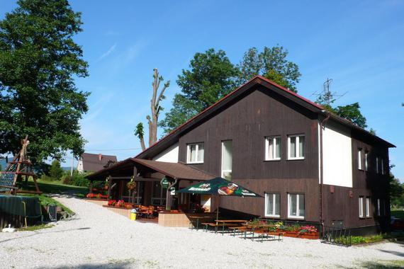 Budova penzionu s jídelnou