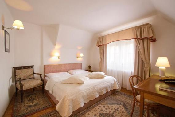 Hotel U 3 PŠTROSŮ foto 6