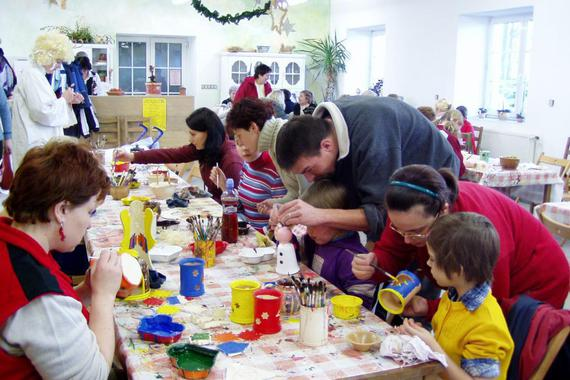 Výtvarná dílna je zábavou pro děti i dospělé