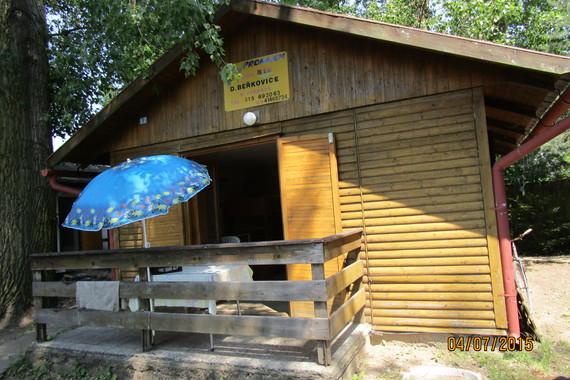 Chaty U jezera Chmelař foto 2