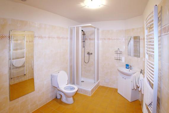 Koupelna - součást pokojů