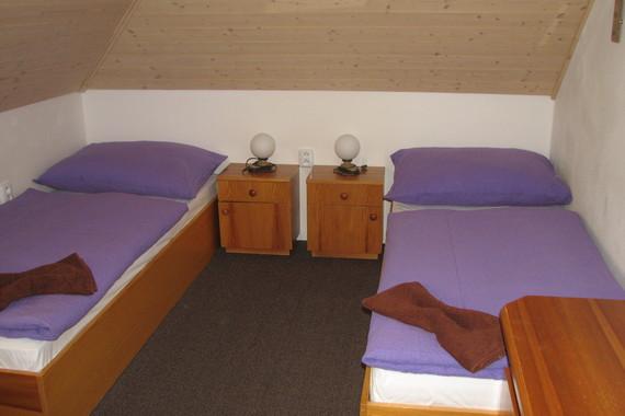 pokoj č. 1-třílůžkový