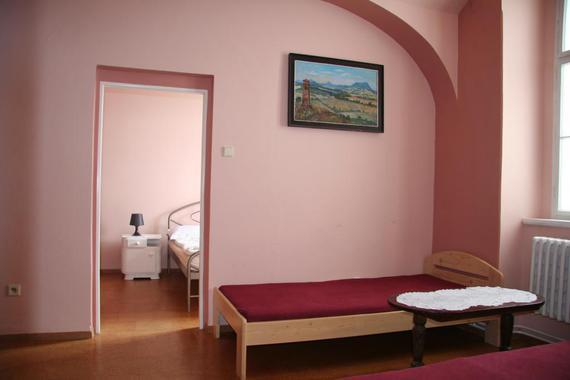 č.2...menší apartmán v přízemí s bezbariérovým přístupem, vhodný pro 1-4 osoby