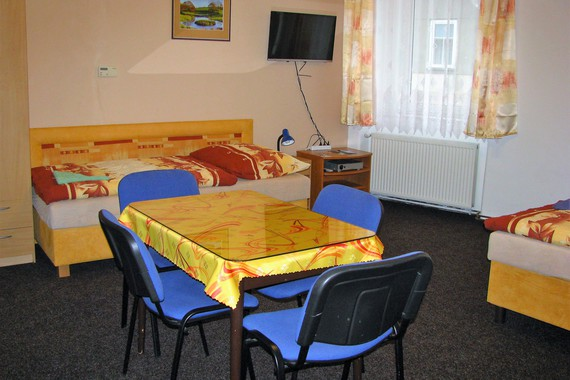 4-lůžkový pokoj