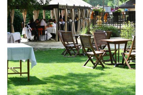 Zahrada - možnost pořádání svatebních obřadů, hostin a rautů
