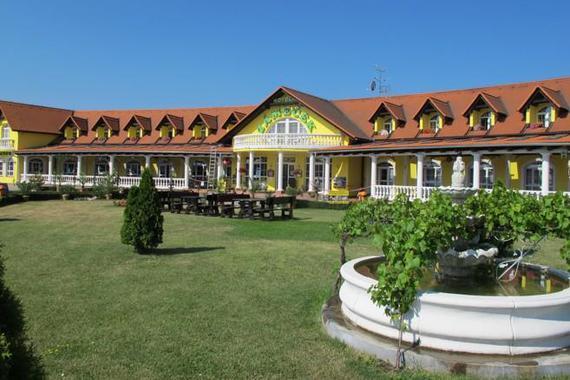 Hotel Zámeček Mikulov foto 1