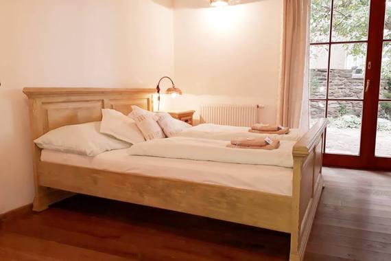 Dvou až třílůžkový pokoj v přízemí penzionu