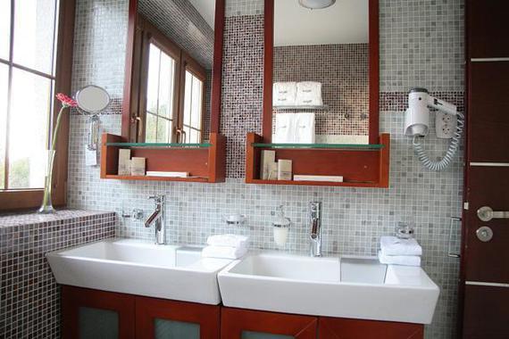 Koupelna v pokoji.