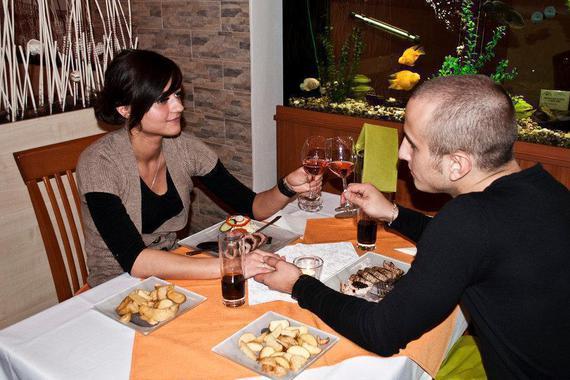 Příjemné posezení v restauraci s večeří a úžasnou atmosférou