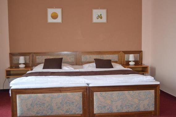 Hotel ZVÍKOV foto 3