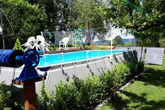Bazén , 8 x 4 m.