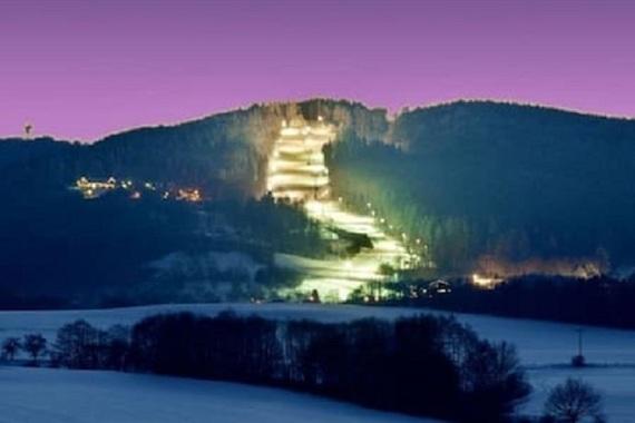 Ski areál Monínec , 2 km