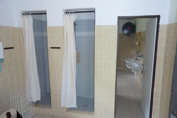 sprchy a wc  muži - ženy