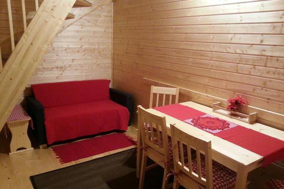 Malá rozkládací pohovka v kuchyňce  apartmán č.8 a 9