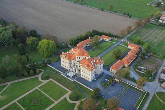 Zámecký hotel Liblice - konferenční centrum AV ČR foto 1