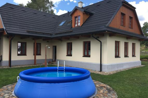 Bazén přímo u chalupy