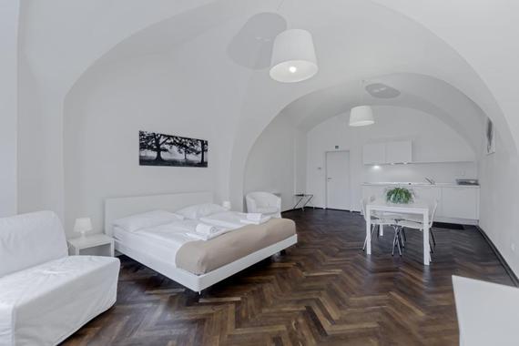 Dvoulůžkový apartmán s výhledem na náměstí
