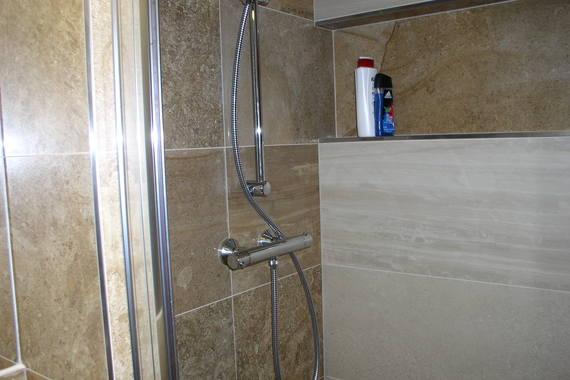 koupelna pokoj 2  sprcha