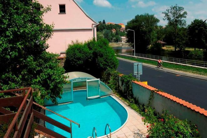 Apartmány U koček - bazén