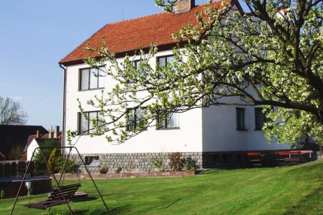 Velký rodinný dům pro ubytování až 20 osob (7 ložnic)