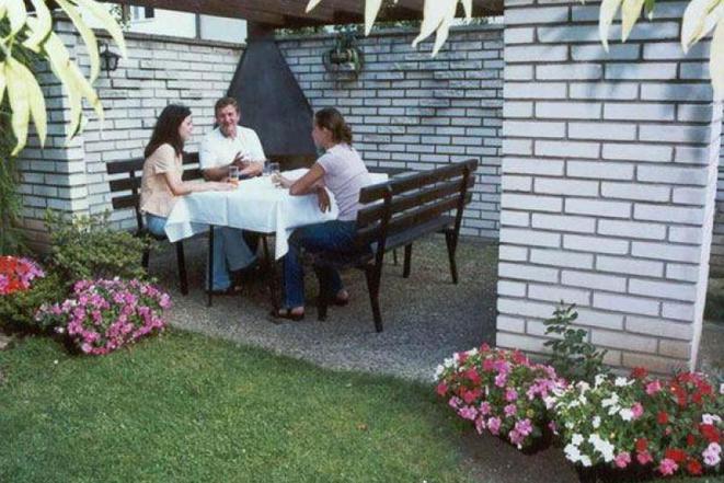 Na zahradě pensionu