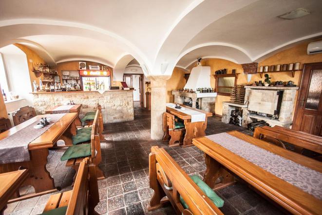 Restaurace a Penzion Tadeášovy Domky foto 6