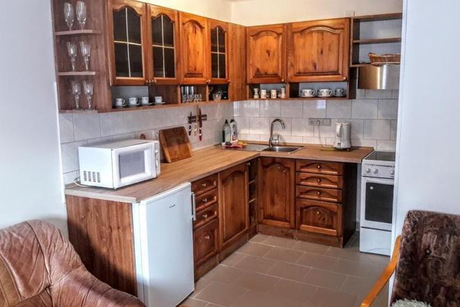 apatmá 1 kuchyn