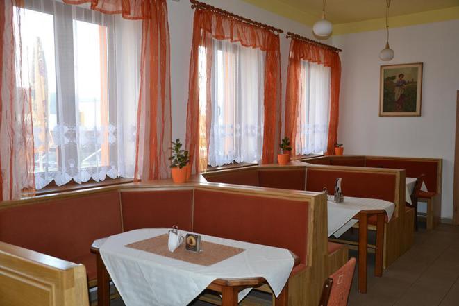 Relax Hotel Pelikán foto 4