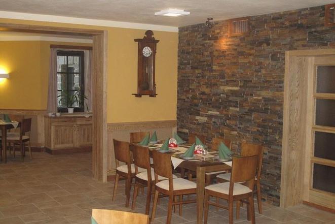 Restaurace - penzion Na Mýtě foto 4