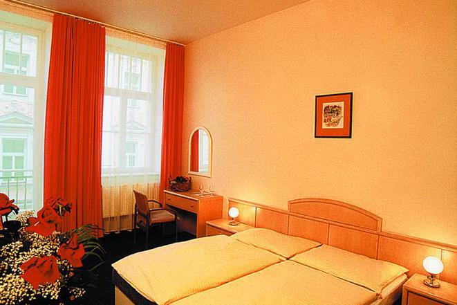 ***Hotel Flora  foto 3