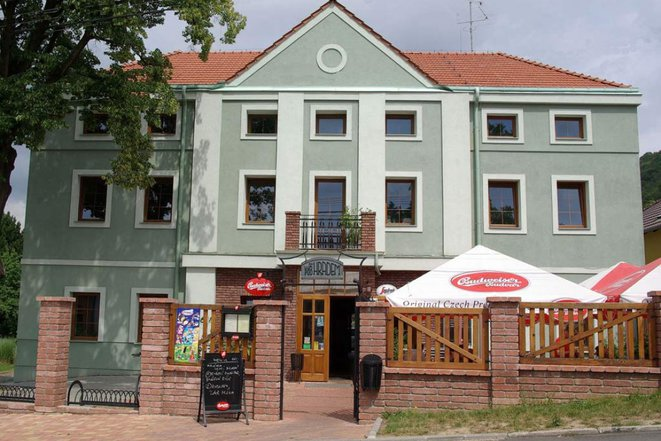 Restaurace Pod Hradem foto 1